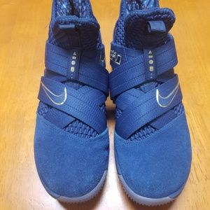 Lebron James Nike Basketball Shoes Blue and Gold